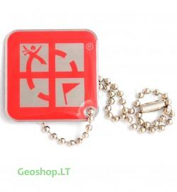 Geocaching Logo - keliaujantis prisegtukas raudonas